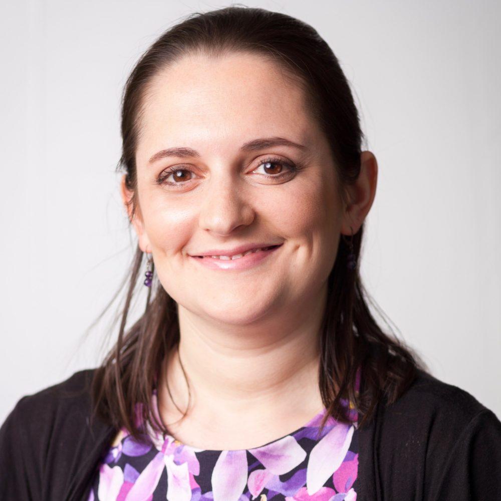 Sarah Riskind headshot